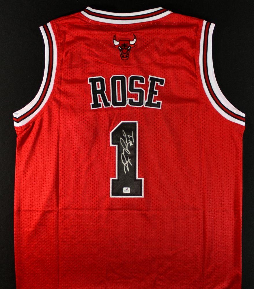 best sneakers 2be4d 4f532 Derrick Rose Signed Bulls Jersey (GA COA)