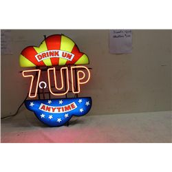 PICK UP ONLY. WONDERFUL 7-UP NEON SIGN - PERFECT IN EVERY RESPECT - PIECE OF GREAT ADVERTISING