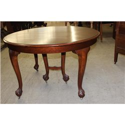 """SOLID TOP ROUND OAK 48"""" TABLE W/ CENTER LEG - CLAW & BALL FEET - 3 LEAVES - ORIG. FINISH"""