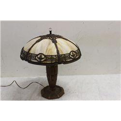 LOVELY 6 PANEL SLAG GLASS LAMP