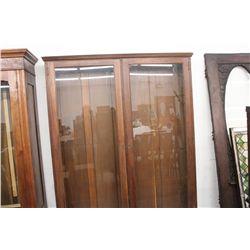 LOVELY OAK DOUBLE DOOR BOOKCASE - NEEDS SHELVES