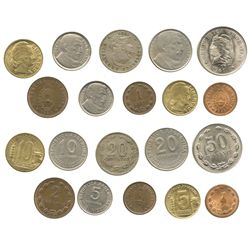 Lot of 10 miscellaneous Argentinean coins (various metals), dated 1920-1950.