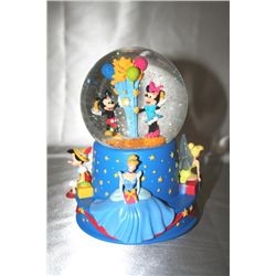 """Disney's """"When You Wish Upon A Star' Music Globe"""