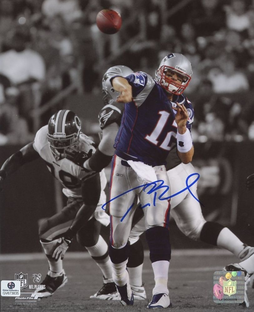 Tom Brady Signed Patriots 8x10 Photo (GA COA)