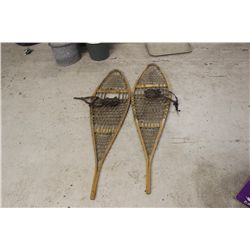 SNOW SHOES BY SHOW CRAFT