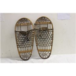 SMALL SNOW SHOES