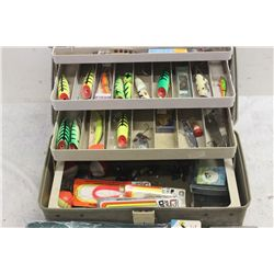 TACKLE BOX COMPLETELY FULL NICE