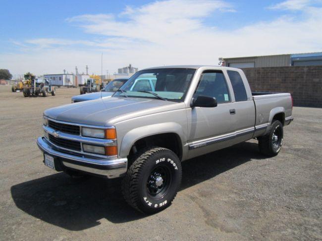 1998 Chevrolet Silverado 2500 4x4 Xtracab Pickup Truck