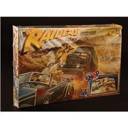 """RAIDERS OF THE LOST ARK """"DESERT CHASE ACTION SCENE"""" MODEL KIT AND ORIGINAL BOX ART"""