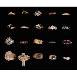 RINGS: Large lot assorted gold rings