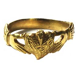 Small but elegant ladies' gold ring, heart-in-hands design, size 3-1/2.