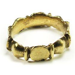 Ornate men's gold ring, low-grade gold, size 6-1/2.