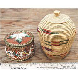 2 lidded baskets