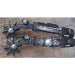 Double mounted Calif transitional spurs