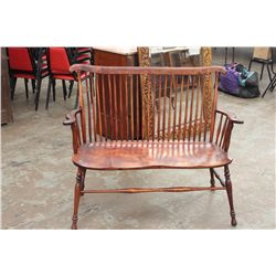 WINDSOR TYPE SPINDLED BENCH