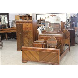 BEAUTIFUL 5 PIECE DECO BEDROOM SET