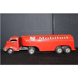 MOBIL GAS TOY TRUCK