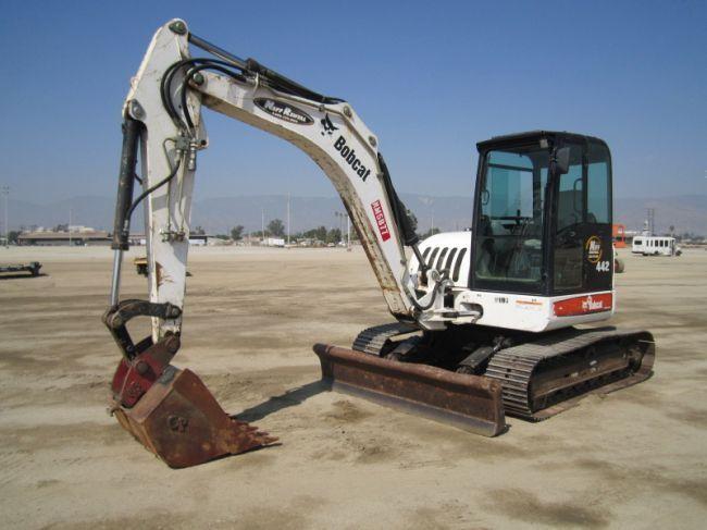 2005 Bobcat 442C Mini-Hydraulic Excavator