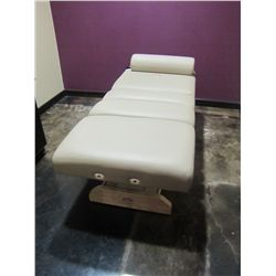 OAKWORKS HYDRAULIC MASSAGE TABLE WITH PILLOW FS-00