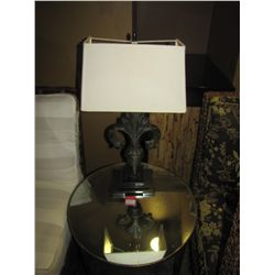 LOT ROUND MIRRORED TABLE & LAMP