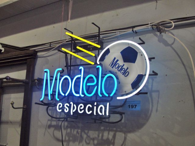 Modelo Especial lighted neon beer sign