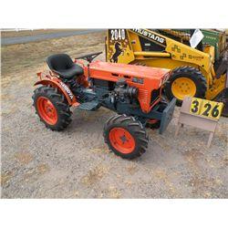 Kubota B6100 4WD tractor, 3 pt   B6001-22577
