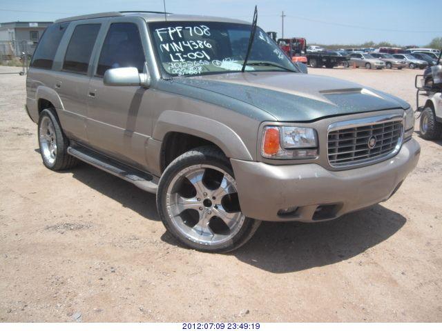 2000 - Cadillac Escalade