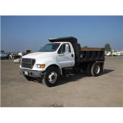 2000 Ford F750 S/A Dump Truck