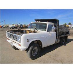 1971 International 1310 S/A Dump Truck