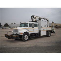 1999 International 4900 S/A Crew Cab Boom Truck