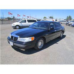 1998 Lincoln Town Car Signature Series Sedan