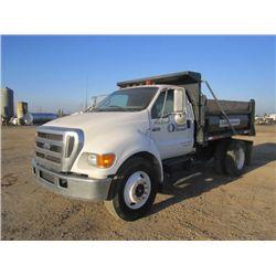 2005 Ford F-650 S/A 5yd Dump Truck