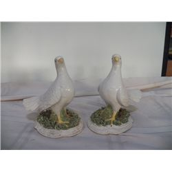 Pair of White Bird Figurines Marked Italy one bird needs repair on beek