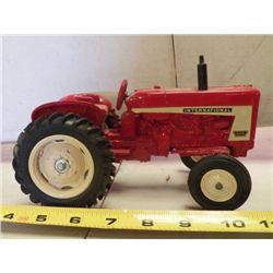 International Red Tractor Metal