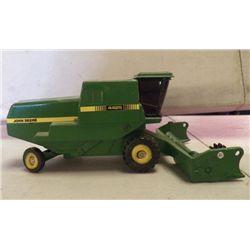 "John Deere Grain Harvester approx. 7"" x 4.5"" x H 3"""