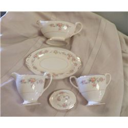Georgian Eggshell Homer Laughlin China Access. Creamer-Sugar bowl with lid, Gravy boat with tray