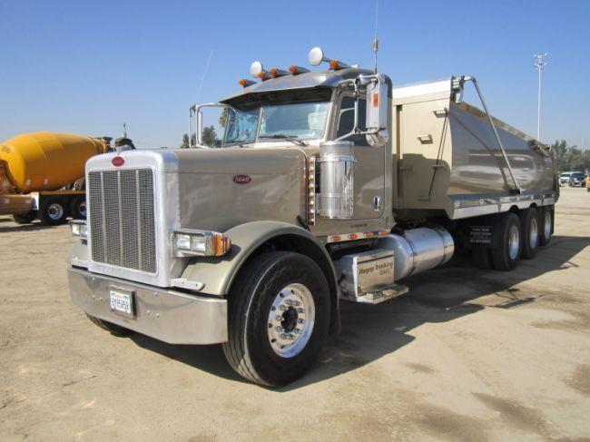 2007 Peterbilt 379 Super 10 Dump Truck
