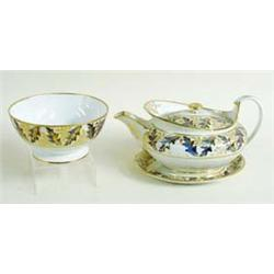 A FINE EARLY 19TH CENTURY CROWN DERBY TEA POT ON OVAL STAND with matching slop bowl, circa 1820, wit