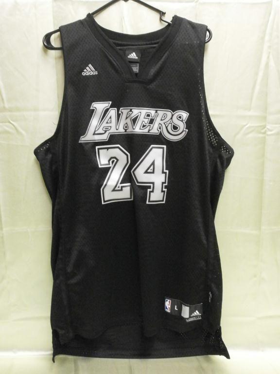 the best attitude 327bf db553 Black LA Lakers Kobe Bryant #24 Jersey Large