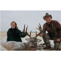 6-day whitetail deer hunt for one hunter in Alberta - includes trophy fee