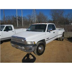 1997 DODGE 3500 EXTENDED CAB DUALLY