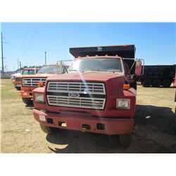 1992 FORD F700 S/A DUMP