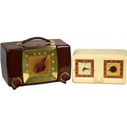 Lot of 2 Vintage Countertop Radios: