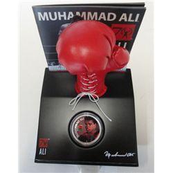 MUHAMMAD ALI 1oz .999 SILVER COIN AND GLOVE SET