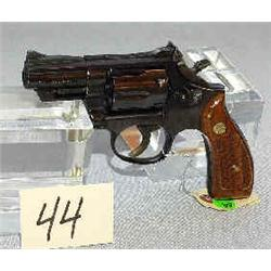 1 SMITH & WESSON .357 MAG. 19-4, SN 87K3764...