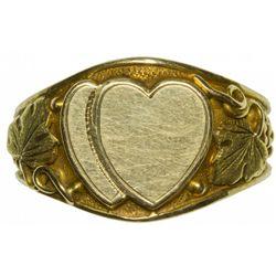 CAAntique Gold Heart Ring