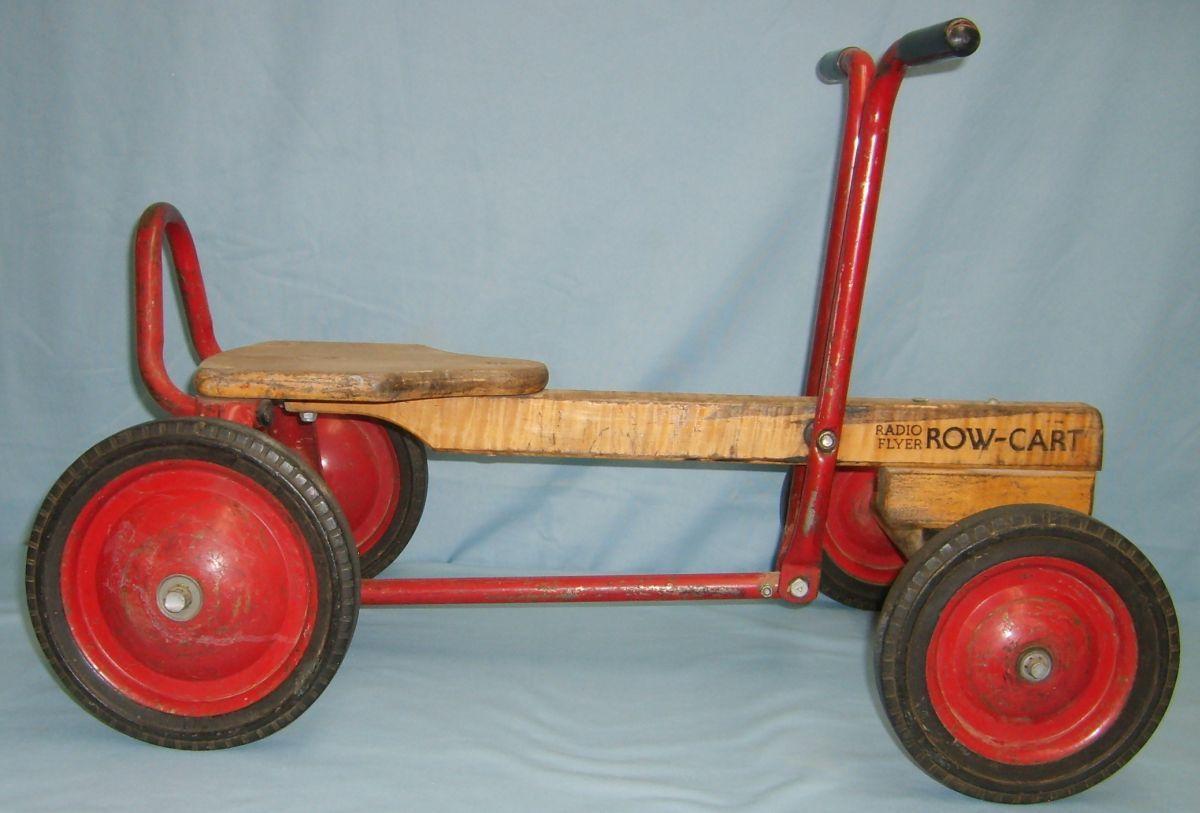 Radio Flyer Row Cart Good Condition 28w X 18h