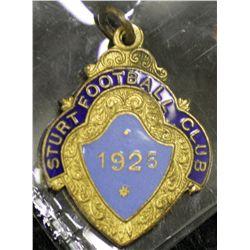 Sturt Football Club Badge, dated 1925, number 386