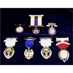 SEVEN VARIOUS MASONIC JEWELS: boxed and cased (7) Est.45-65...