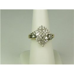 Exquisite 14K Yellow Gold Ladies Ring